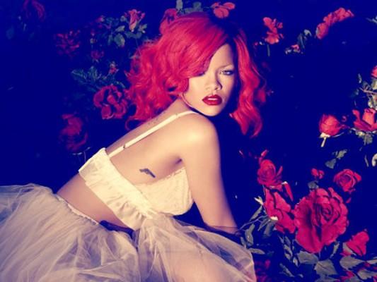 """Rihanna """"LOUD"""""""