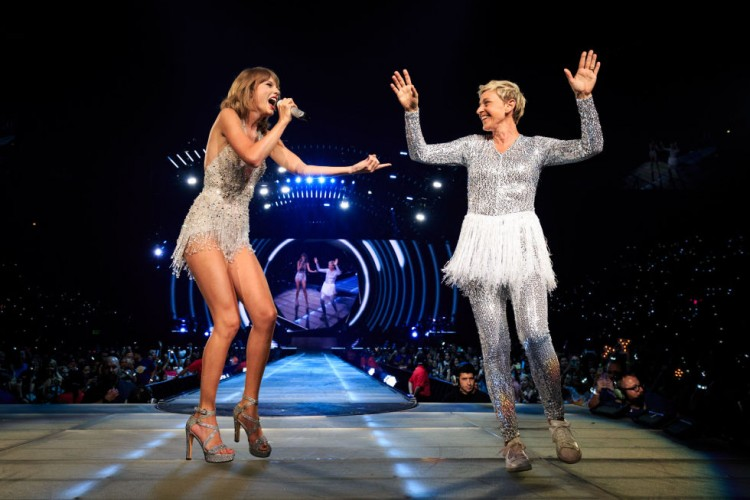 gallery-1440526215-taylor-swift-with-ellen-degeneres-performing-at-the-staples-centre-1989-tour