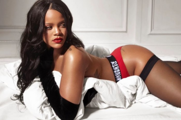 Rihana likes Chris Brown perving on her lingerie pictures